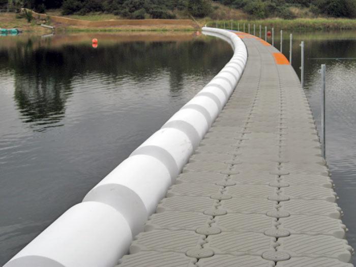 Puente flotante