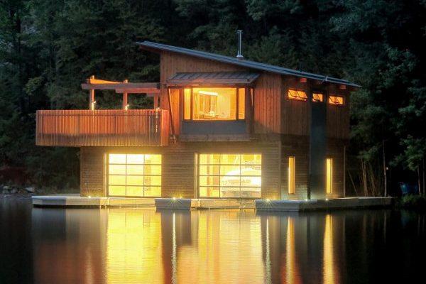 Casa flotante lago