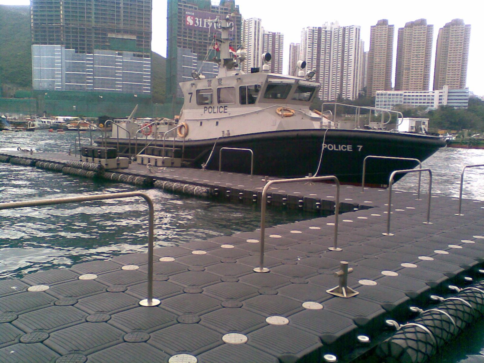 Muelles flotantes modulares policia HK