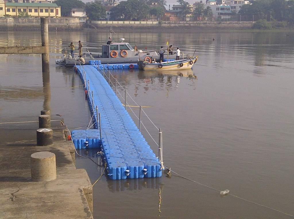 Muelles flotantes modulares rio policia