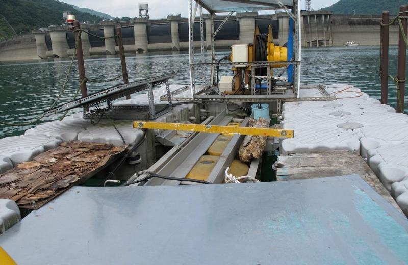 Muelle cientifico flotante modular hidroelectrica