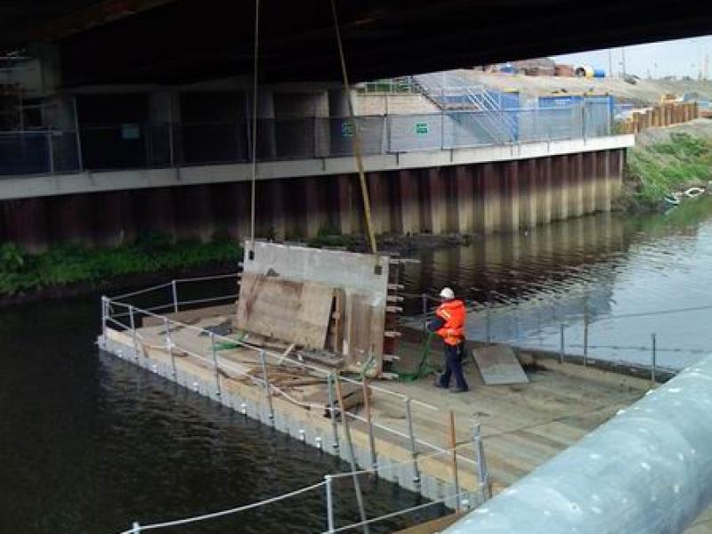 Plataforma flotante de trabajo